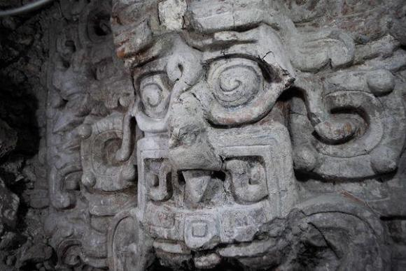 Dibujo20121208 Mayan - New Temple discovery 2012